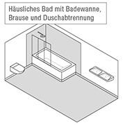 Häusliches Bad mit Badewanne, Brause und Duschabtrennung
